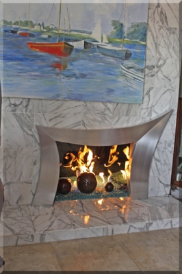 Jasmine Bals Modern Fireplace Surround